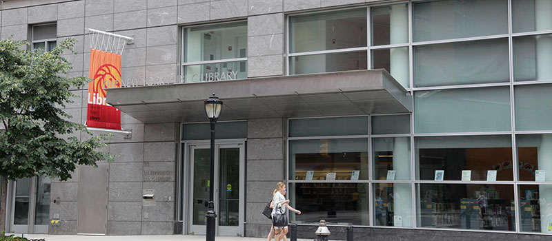 The Battery Park City Branch Is New York Public Library S First Green Leed Certified In Manhattan Bright 10 000 Square Foot Two Story