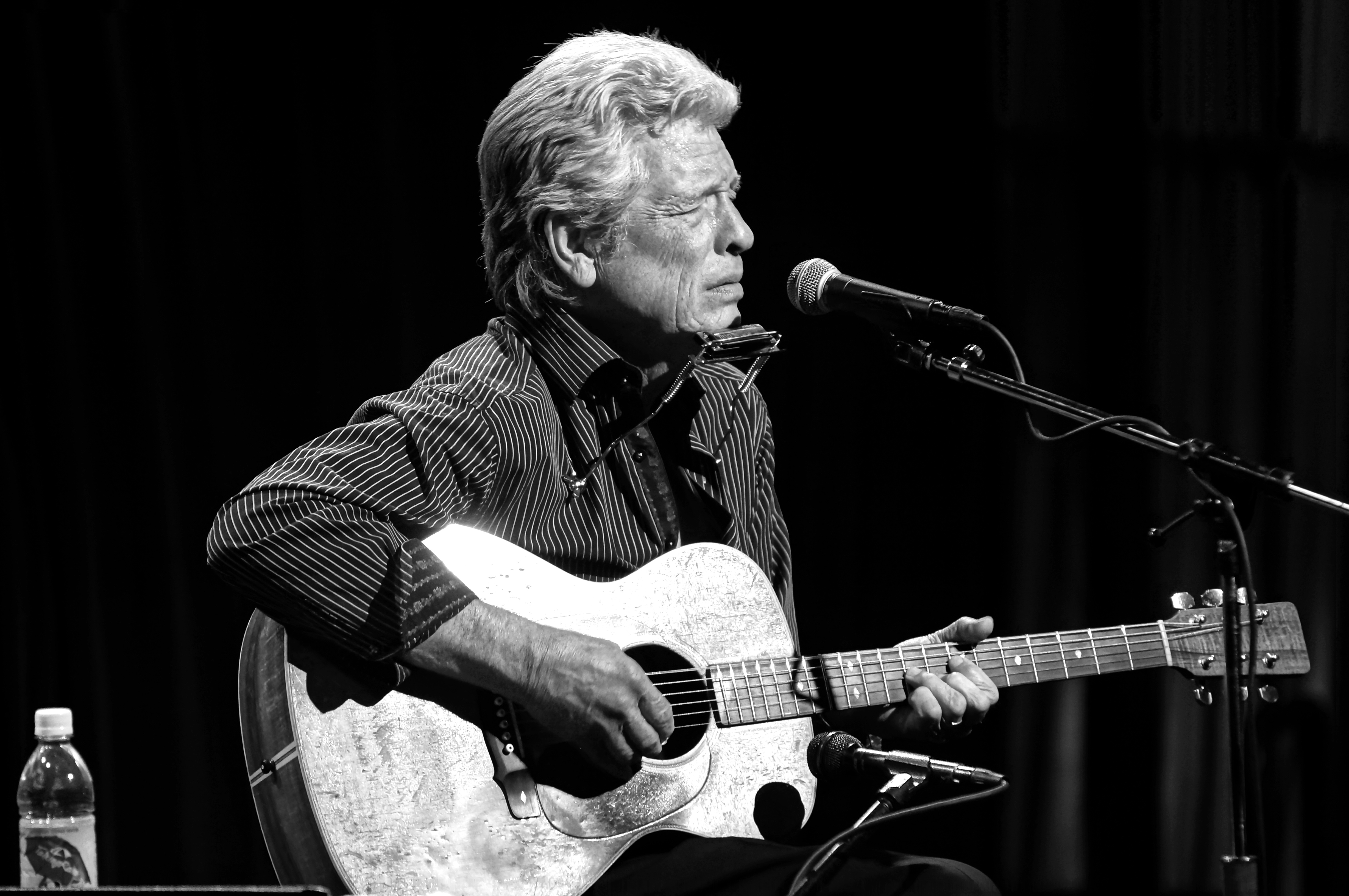 River & Blues: John Hammond